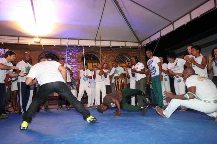 Praticantes e estudiosos iniciaram uma série de atividades no Centro Histórico para debater caminhos e celebrar a capoeira - Foto: Margarida Neide l Ag. A TARDE