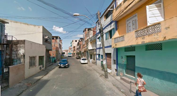 Daniel foi baleado dentro de uma padaria na rua Araujo Bulcão no Uruguai - Foto: Reprodução | Google Maps