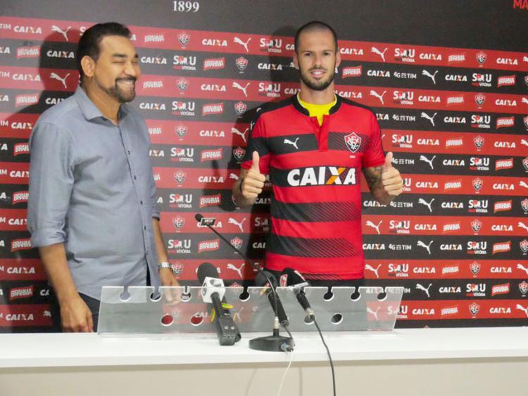 O jogador, que pertence ao Grêmio, assinou com o Leão por um ano - Foto: R. Santin   EC Vitória