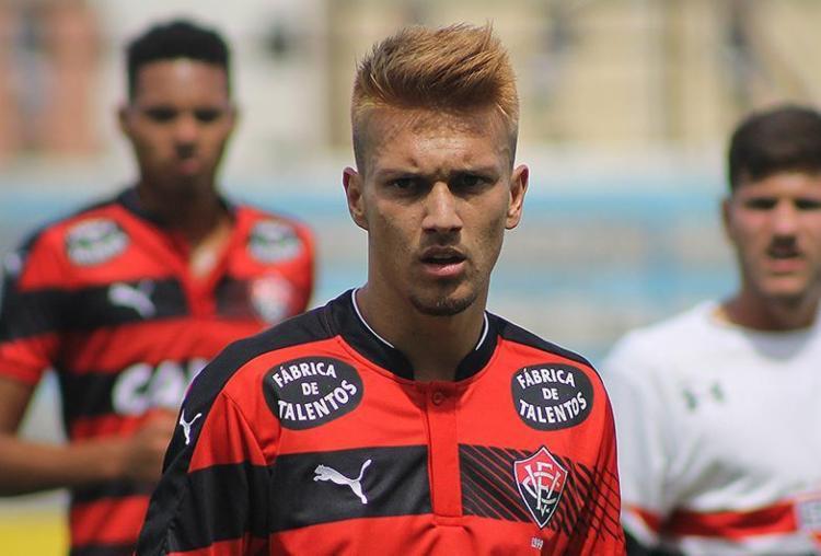 Contrariando as expectativas da diretoria, Jhemerson se destacou na estreia pelo profissional - Foto: Guilherme Pannain l Assessoria P2