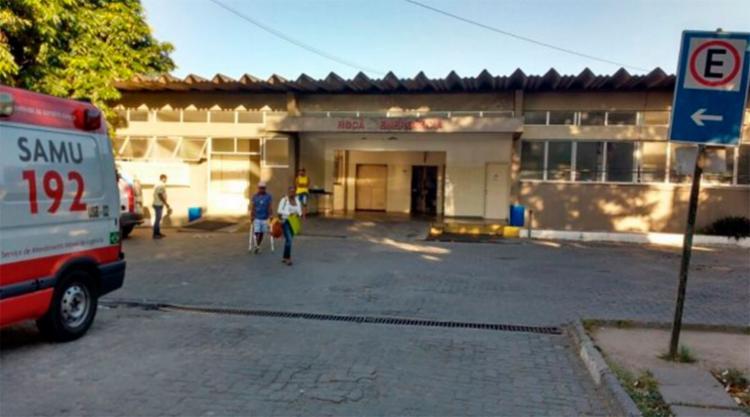 A idosa foi socorrida para o Hospital Geral Clériston Andrade - Foto: Reprodução | Paulo José | Acorda Cidade