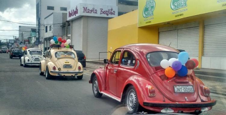 Fuscas vão colorir as ruas de Salvador no próximo domingo - Foto: Divulgação Fuscaria BA