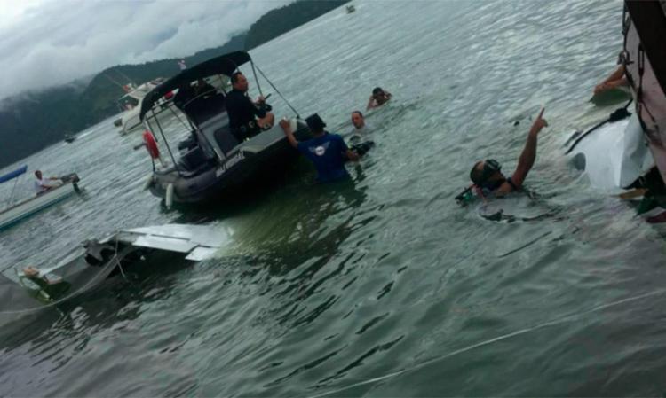 Mergulhadores acharam o gravador nos destroços do avião - Foto: Reprodução | GloboNews