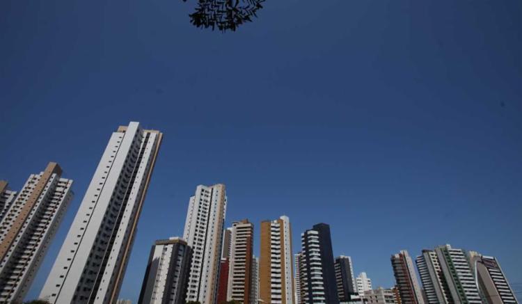 O corte da taxa básica Selic, que passou de 13,75% para 13%, animou representantes do setor imobiliário baiano - Foto: Raul Spinassé   Ag. A TARDE