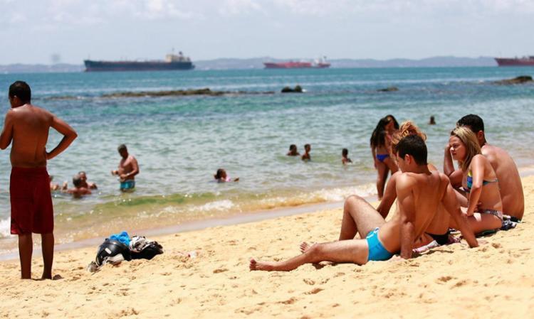 Praia de Boa Viagem, ao lado do forte Monte Serrat, deve ser evitada - Foto: Joá Souza | Ag. A TARDE