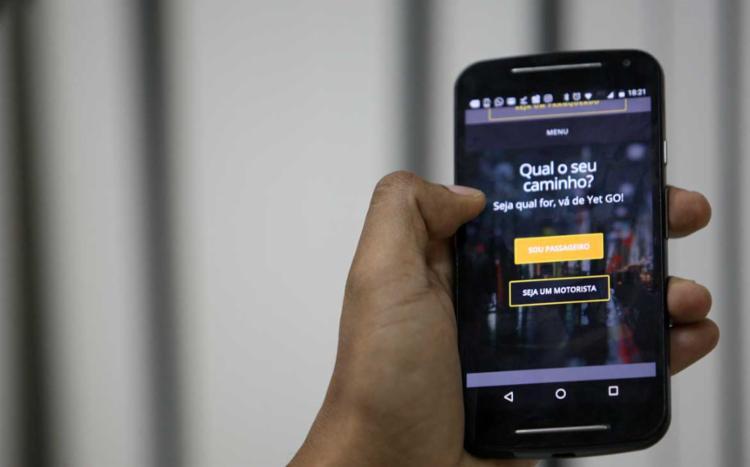 Yet GO chega em Salvador e aumenta a concorrência com os profissionais do Uber e os taxistas - Foto: Adilton Venegeroles / Ag. A Tarde