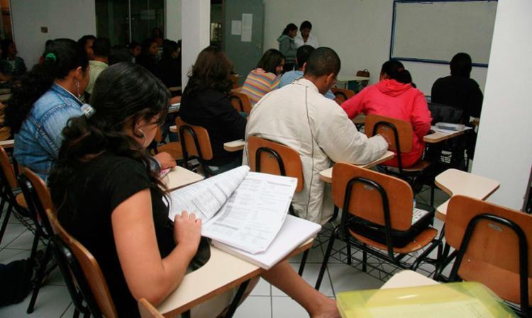 O Sisu seleciona os estudantes com base na nota no Exame Nacional do Ensino Médio (Enem) - Foto: Joá Souza | Ag. A TARDE
