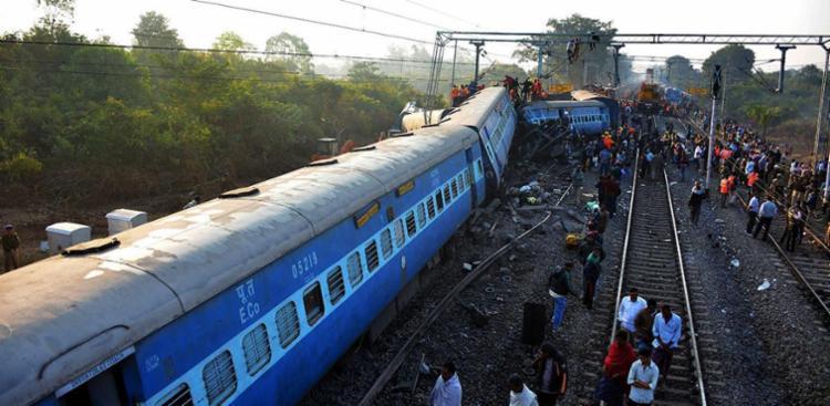 O trem estava viajando entre Jagdalpur no estado de Chhattisgarh para Bhuvaneshawar, em Orissa - Foto: Stringer | AFP