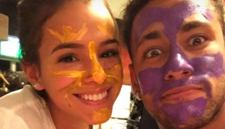 Bruna e Neymar após brincadeira de pintura - Foto: Reprodução | Instagram