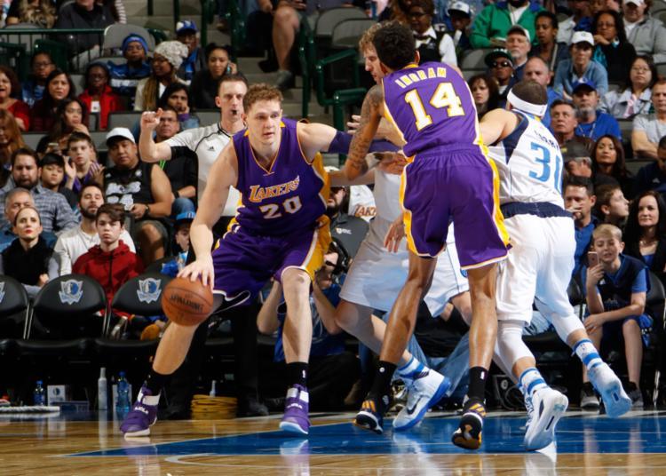Os Lakers perderam por 49 pontos de diferença - Foto: Danny Bollinger   NBAE   Getty Images   AFP