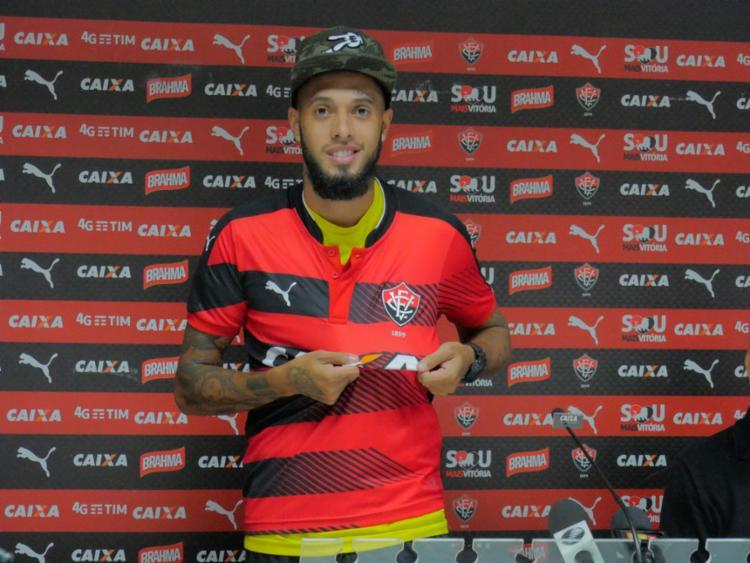 Paulinho prometeu alegria dentro de campo - Foto: R. Santin | EC Vitória