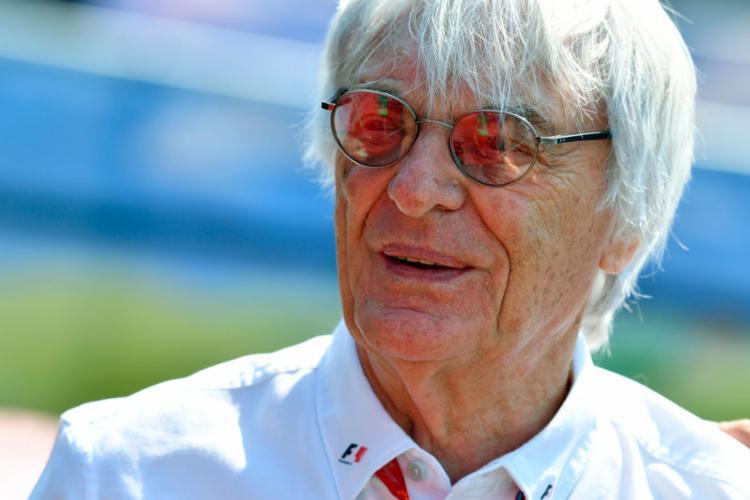 Ecclestone foi substituído depois da compra da empresa que gerencia a F1 - Foto: Andrej Isakovic | AFP