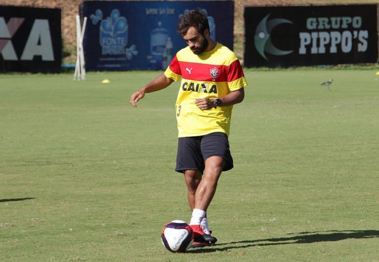 Titular no amistoso com o Atlântico, Gabriel Xavier ainda não foi regularizado - Foto: Moysés Suzart l EC Vitória l Divulgação