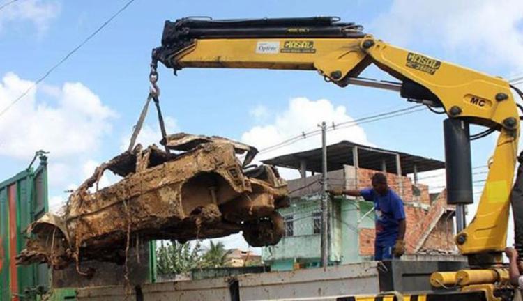Veículos abandonados foram recolhidos após denúncias - Foto: Reprodução