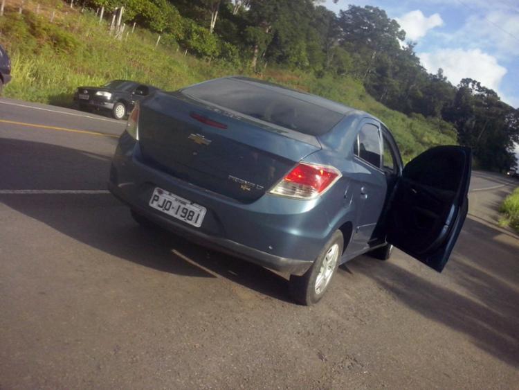 O corpo do escrivão foi encontrado às margens da BR-101, perto do carro que dirigia - Foto: Cidadão Repórter | Via WhatsApp