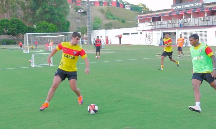 André Lima participou normalmente do treino, mas não enfrenta o Sergipe - Foto: R. Santin | EC Vitória