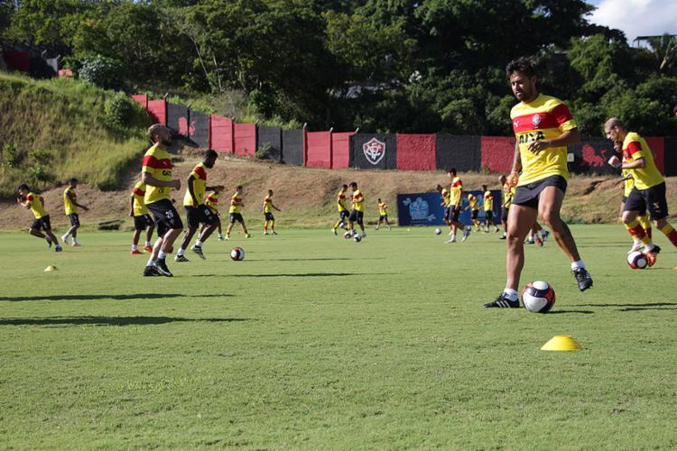 Cheio de caras novas, equipe ainda busca a melhor formação para novo ano - Foto: Moysés Suzart l EC Vitória