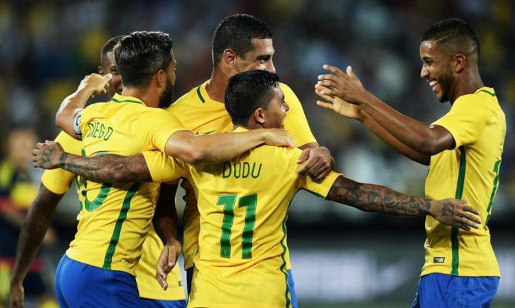 Autor do Gol, Dudu comemora com os companheiros - Foto: Pedro Martins | MoWA Press | Divulgação