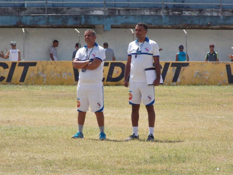 Roy (E) e Marcio Bittencourt voltam ao Rio de Janeiro - Foto: Hilton Oliveira | EC Galícia