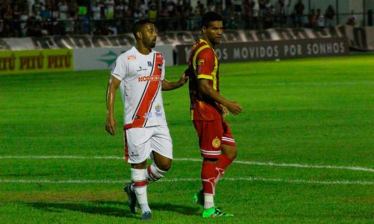 Jogadores da Juazeirense não conseguiram passar pela forte marcação do River-PI - Foto: Divulgação | Juazeirense