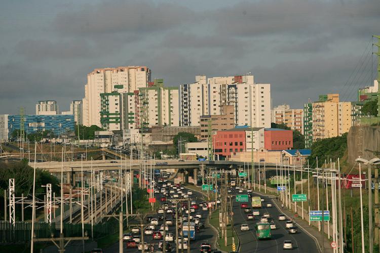 Com uma ampla oferta de serviço e infraestrutura, Imbuí é um bairro que tem se valorizado nos últimos anos - Foto: Mila Cordeiro l Ag. A TARDE