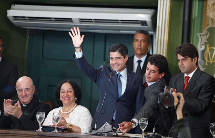 Neto tomou posse na tarde deste domingo, 1º, na Câmara de Vereadores - Foto: Lúcio Távora | Ag. A TARDE