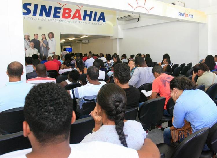 Sine Bahia fica na Av. Antônio Carlos Magalhães - Foto: Edilson Lima | Ag. A Tarde | 24/01/2017