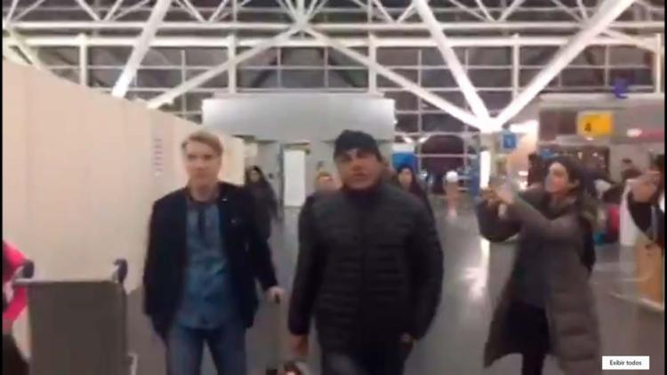 Eike foi filmando quando chegava ao aeroporto para embarcar para o Brasil - Foto: Reprodução