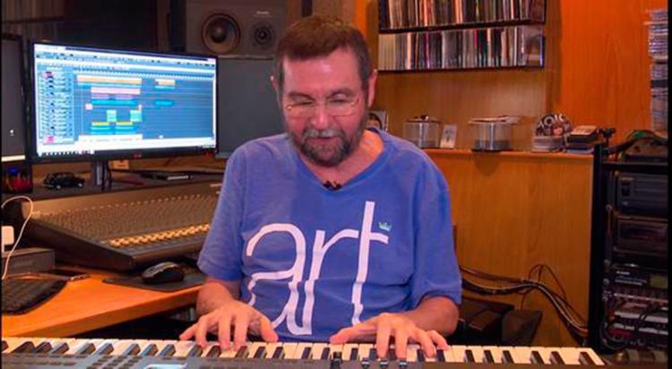 Maestro Eduardo em seu estúdio, no Rio de Janeiro - Foto: Divulgação