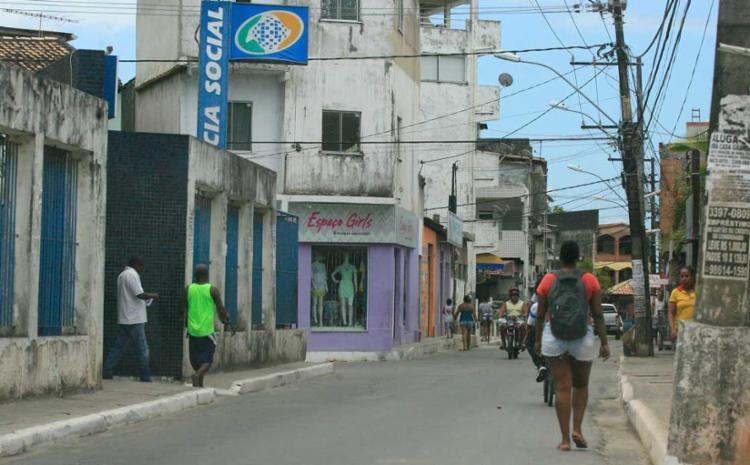 O ataque ocorreu próximo ao cruzamento da Rua da Gloria com a Avenida Afrânio Peixoto (Suburbana) - Foto: Edilson Lima   Ag. A TARDE