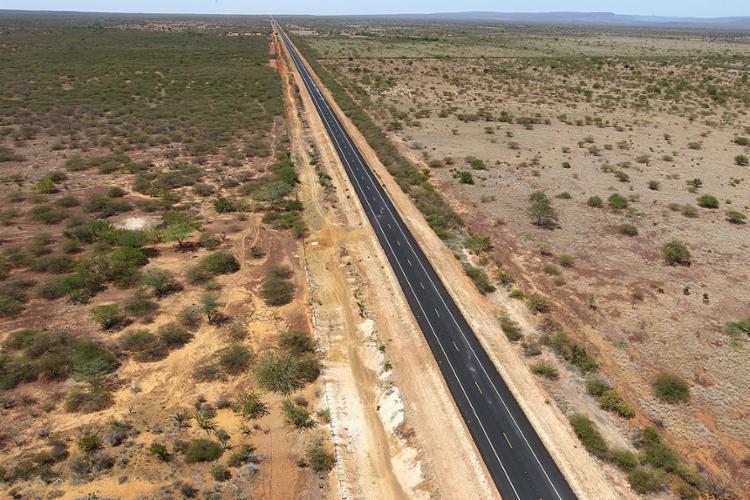 Os cabos de fibra ótica serão implantados na BA-052 - Foto: Manu Dias l GOVBA l 28.4.2012