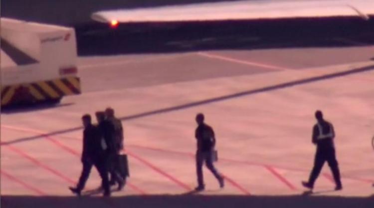 Eike Batista foi preso logo após desembarcar - Foto: Reprodução | TV Globo