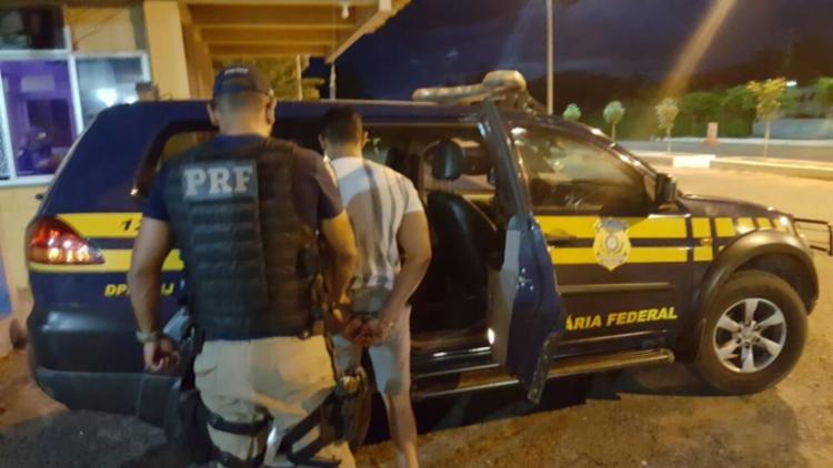 O homem foi encaminhado para a Delegacia de Polícia Judiciária local - Foto: Divulgação | PRF