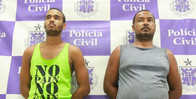 Dupla foi presa na oficina de Josenildo (de cinza) - Foto: Edilson Lima | Ag. A TARDE