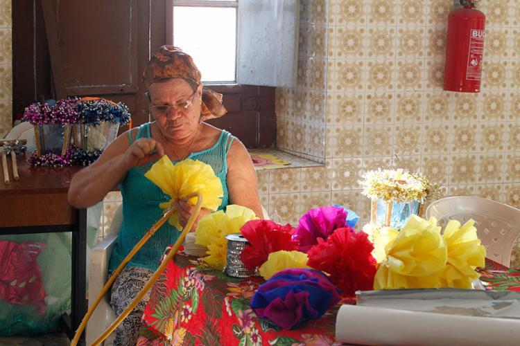 Naíde Simas faz a decoração e coordena o Terno há oito anos - Foto: Lúcio Távora l Ag. A TARDE