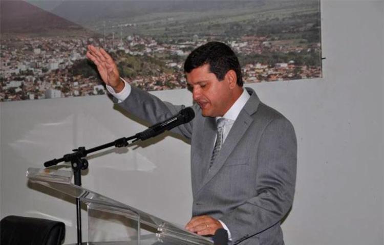 Em primeiro ato como prefeito, Jairo ainda cancelou pacto com outro