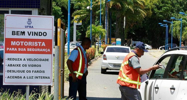 A iniciativa foi tomada pela reitoria da universidade após série de furtos e roubos - Foto: Luciano da Matta l Ag. A TARDE