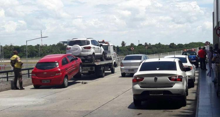 Segundo a Semob, 9 dos 11 veículos faziam o transporte Uber - Foto: Foto do leitor