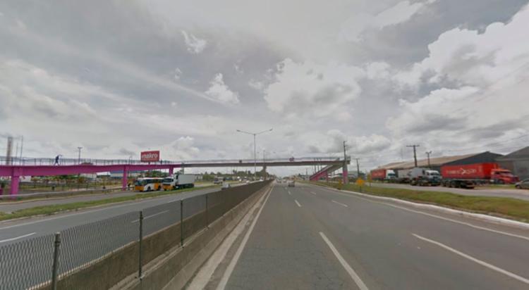 O acidente aconteceu próximo ao Makro da BR-324 - Foto: Reprodução | Google Maps