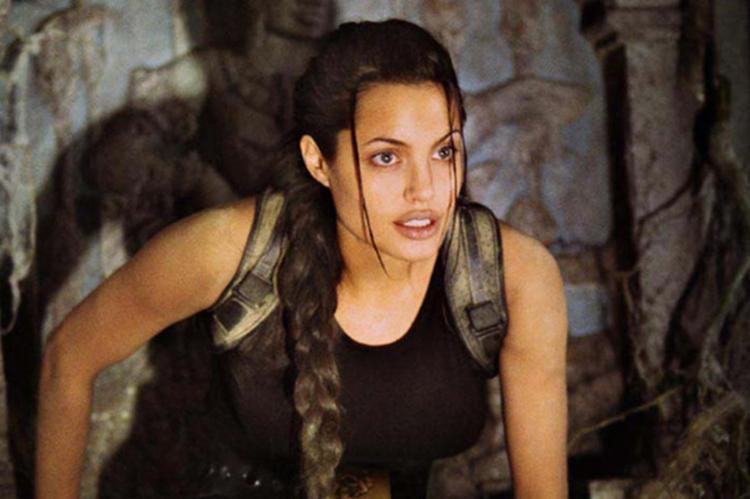 Angelina na pele de Lara Croft em
