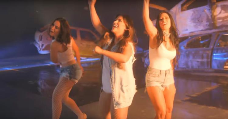 Single fala sobre amigas que saem para se divertir após ter coração partido - Foto: Reprodução | Youtube