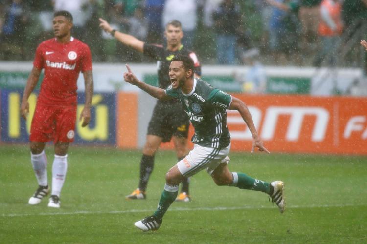 Cleiton Xavier foi Campeão Brasileiro em 2016 pelo Palmeiras - Foto: Marcos Bezerra | Futura Press | Estadão Conteúdo