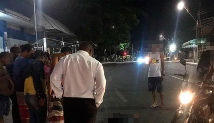Uma das vítimas foi morta em um ponto de ônibus - Foto: Reprodução   CN1