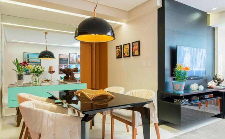 Espelho cria sensação de amplitude no projeto da arquiteta Janete Chiom - Foto: Tarso Figueira | Divulgação