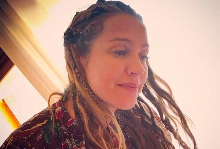 A atriz está com um visual típico de férias - Foto: Reprodução | Instagram