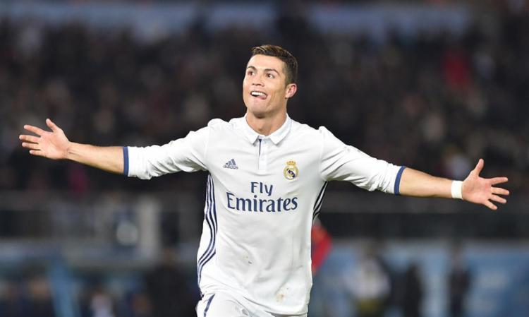 Cristiano Ronaldo teve a melhor temporada da carreira com diversos títulos, até por Portugal - Foto: Kazuhiro Nong | AFP Photo