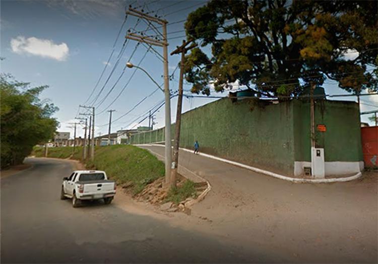A vítima morava na travessa das Hortênsias, na Estrada Velha do Aeroporto - Foto: Reprodução | Google Maps