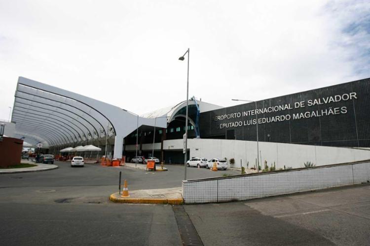 Incidente ocorreu em área restrita no aeroporto de Salvador - Foto: Edilson Lima | Ag. A TARDE