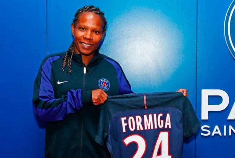 Aos 39 anos, Formiga renova com o Paris Saint-Germain por mais uma temporada