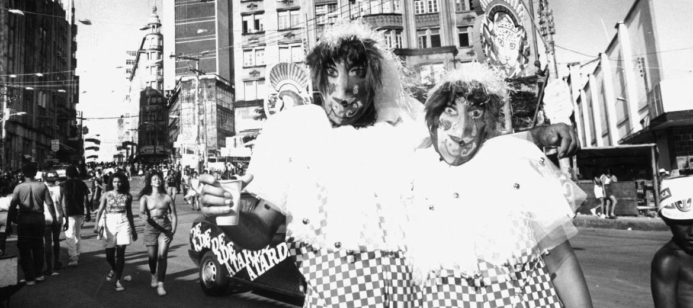 Aos poucos, fantasias retornam ao Carnaval de Salvador
